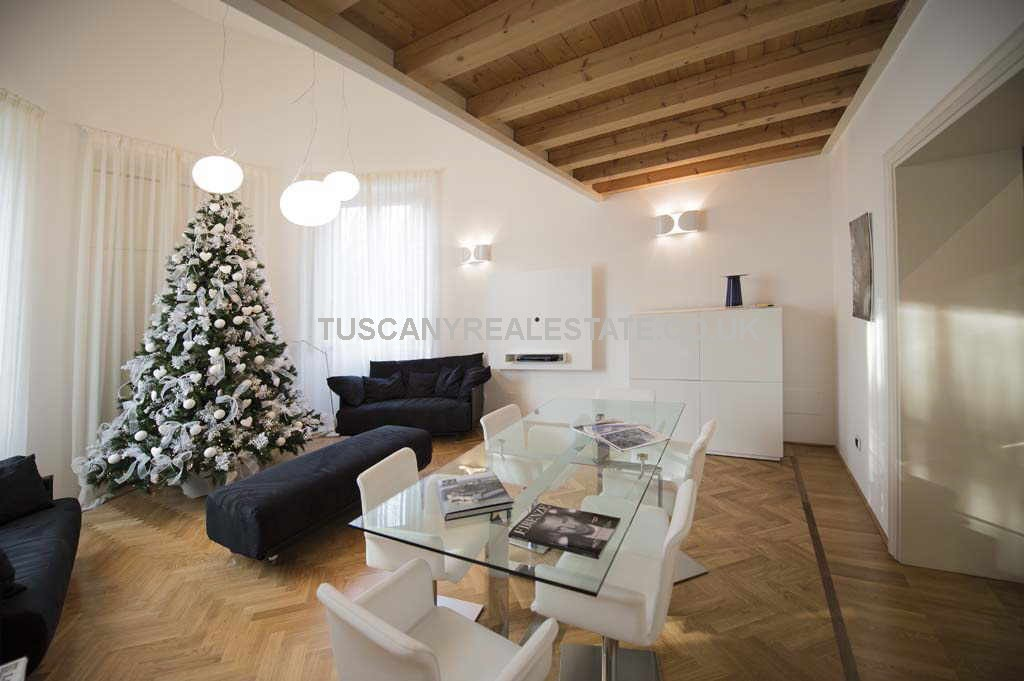 Luxury apartments florence tuscany real estate for Interior design jobs in florence italy