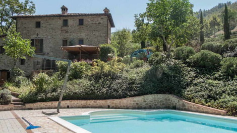 Umbria Farmhouse With Pool