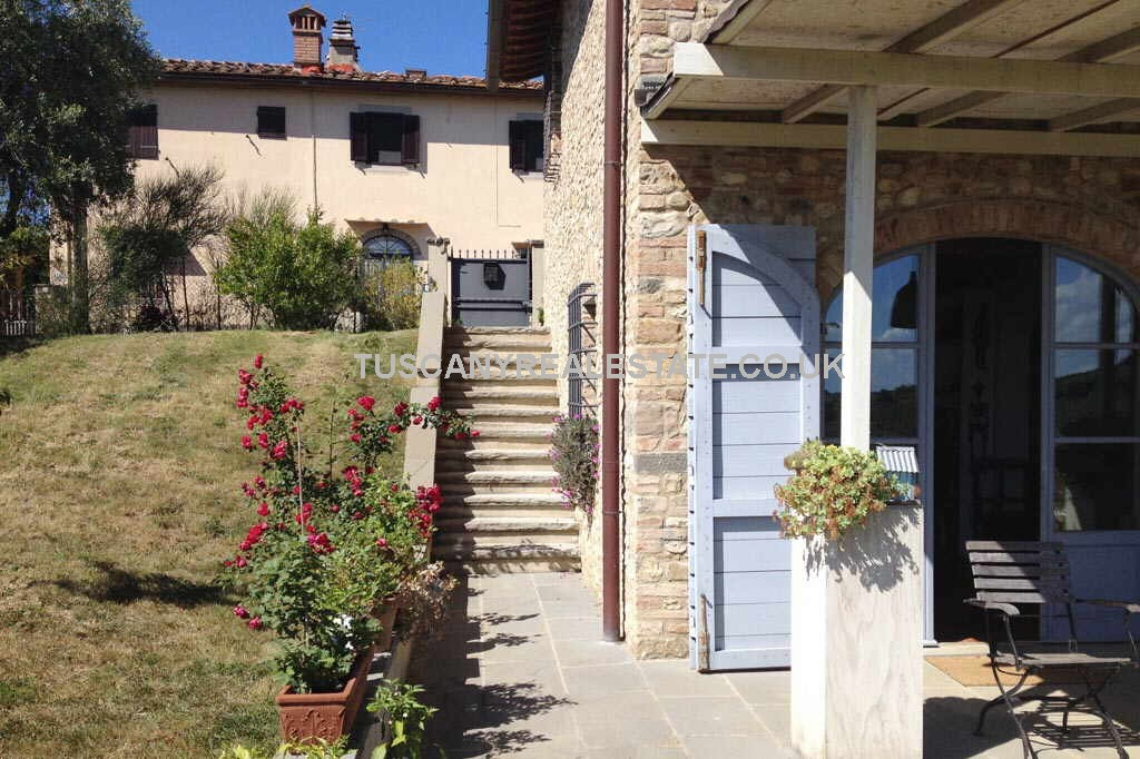 Villa near to florence tuscany real estate for Real estate in florence italy
