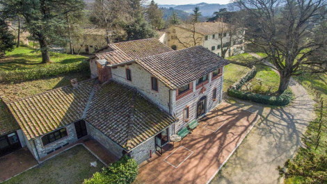 Country house and estate for sale