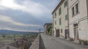 Well Priced Tuscany Property