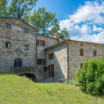 Caprese Michelangelo Tuscan property. Lovely restored former mill property with two wings, ideal for extended family.