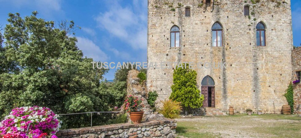 Historic Medieval castle property for sale in Tuscany. With an unrivaled view over the Sienese hills, in a quiet but not too isolated location, this beautiful 12th century castle is right at the heart of Tuscany, midway between the Apennines and the Tyrrhenian Sea.