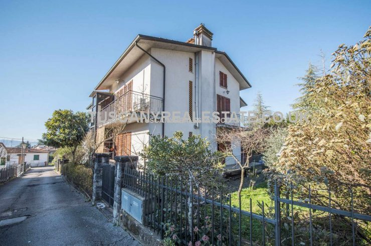 Two Family Home Sansepolcro Tuscany