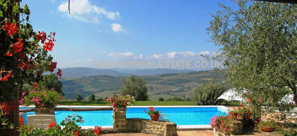 Restored country estate near to Gubbio in Umbria consisting of main country house of 380 square metres, a barn of 215 square metres, a farmhouse of 330 square metres, a 57-square metre pool house and a headquarters of 400 square metres, for a total surface area of 1382 square metres. 14 hectares land, gardens, swimming pool, olive grove.