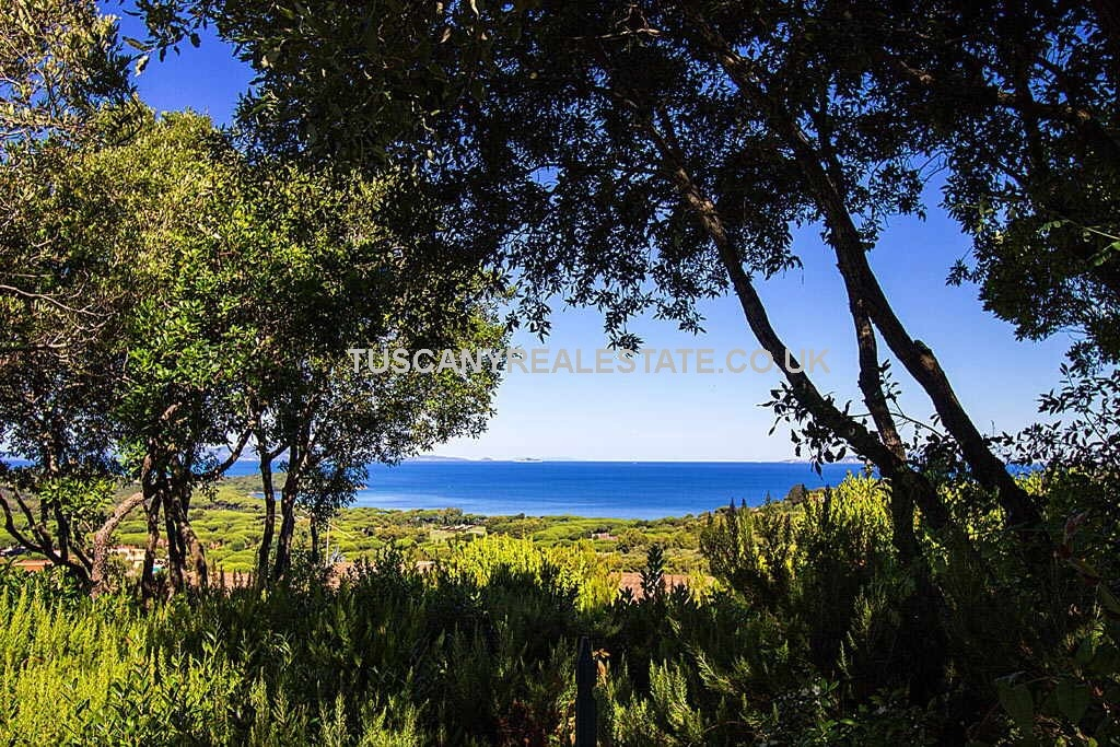 New build Tuscan sea view villa