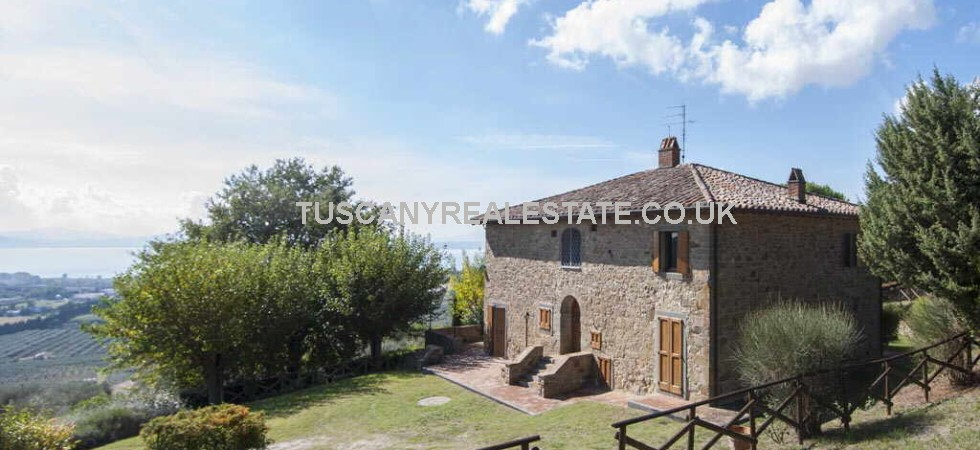 Nicely restored farmhouse, dating back to 1816, overlooking Lake Trasimeno and 3 km from Passignano sul Trasimeno. A lovely 5 bed family home but could also with a few alterations be used for bed and breakfast.