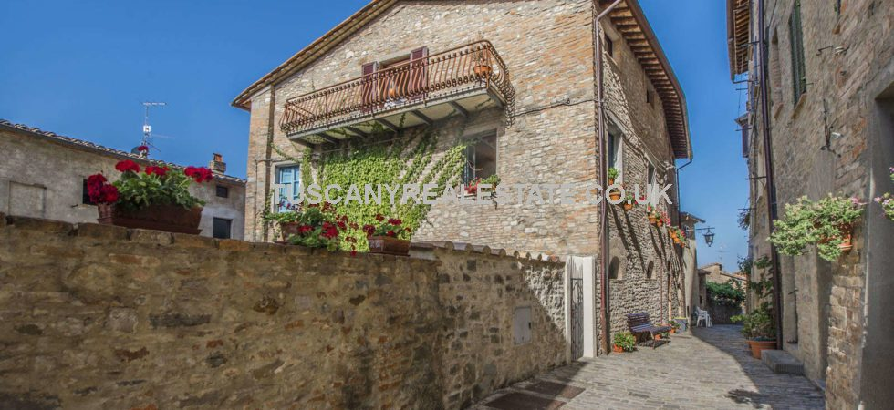 Montone Umbria property for sale comprising 3 bed apartment in pretty as a picture building in this very typical small medieval and historical Italian town.