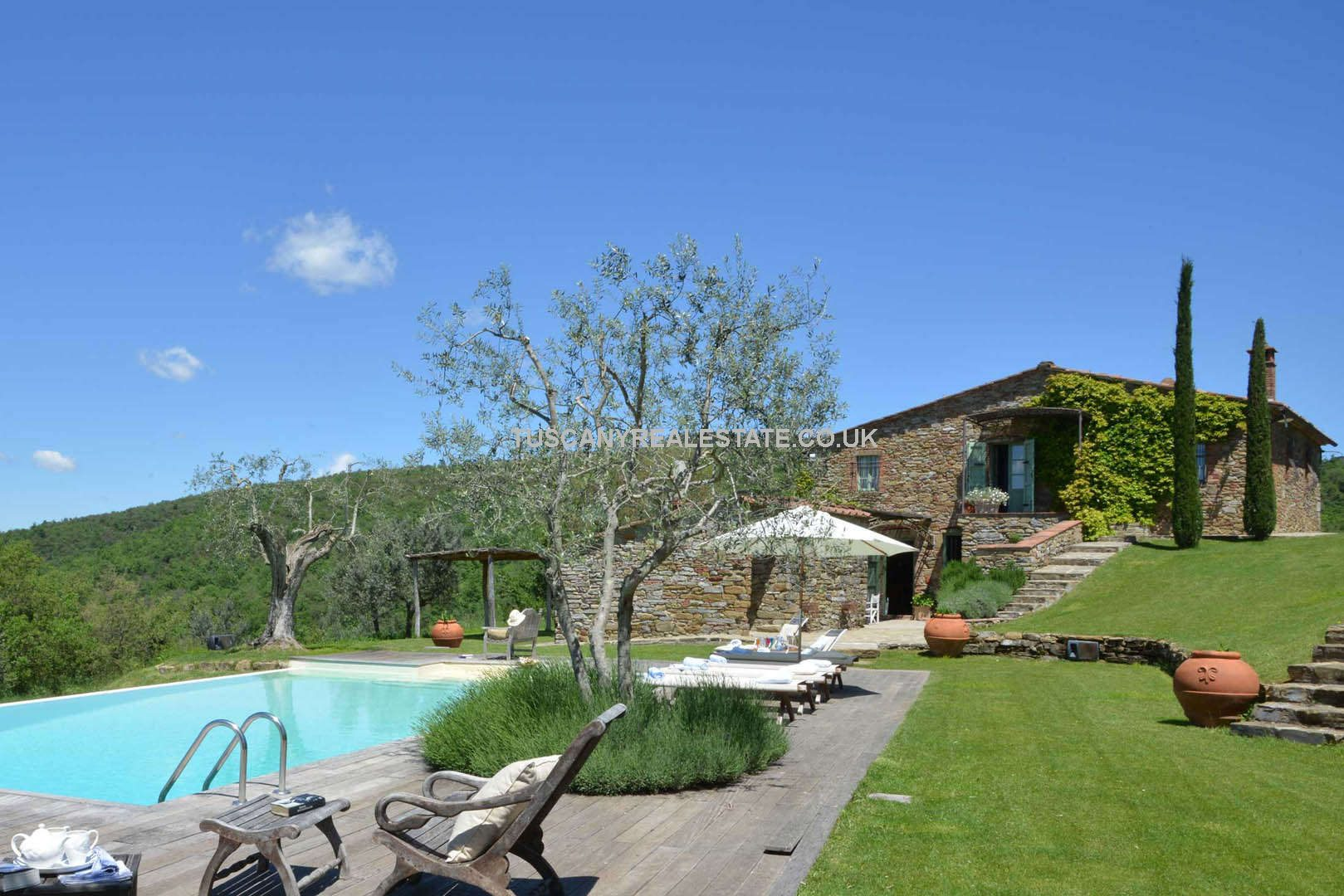 Ambra, Tuscany. Impressive Country House
