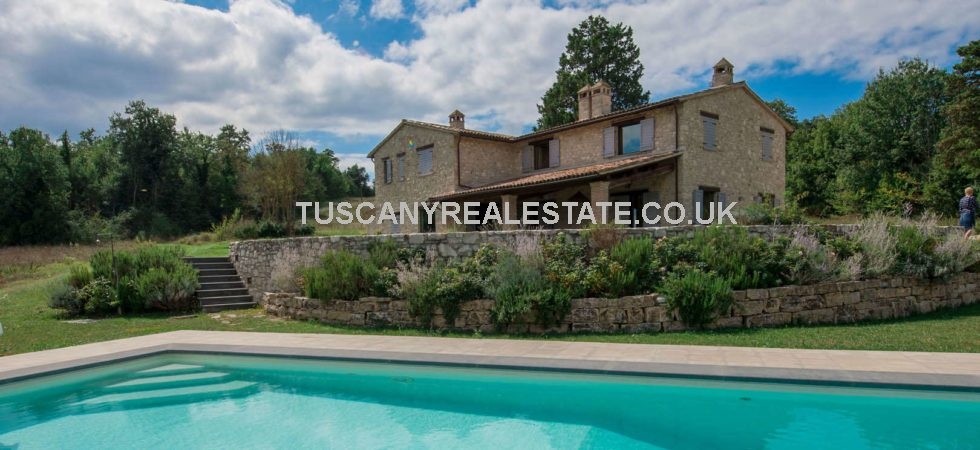 Modern detached country villa with swimming pool for sale located in one of the most beautiful areas of Umbria, near to Todi. Its traditional exterior belies a sophisticated modern interior with traditional rustic touches.
