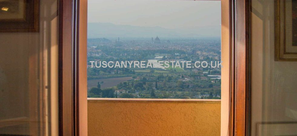 Bagno a Ripoli Florence property for sale. Prestigious 3/4 bed villa property, architect designed with all modern conveniences. Superb panoramic view over Florence.
