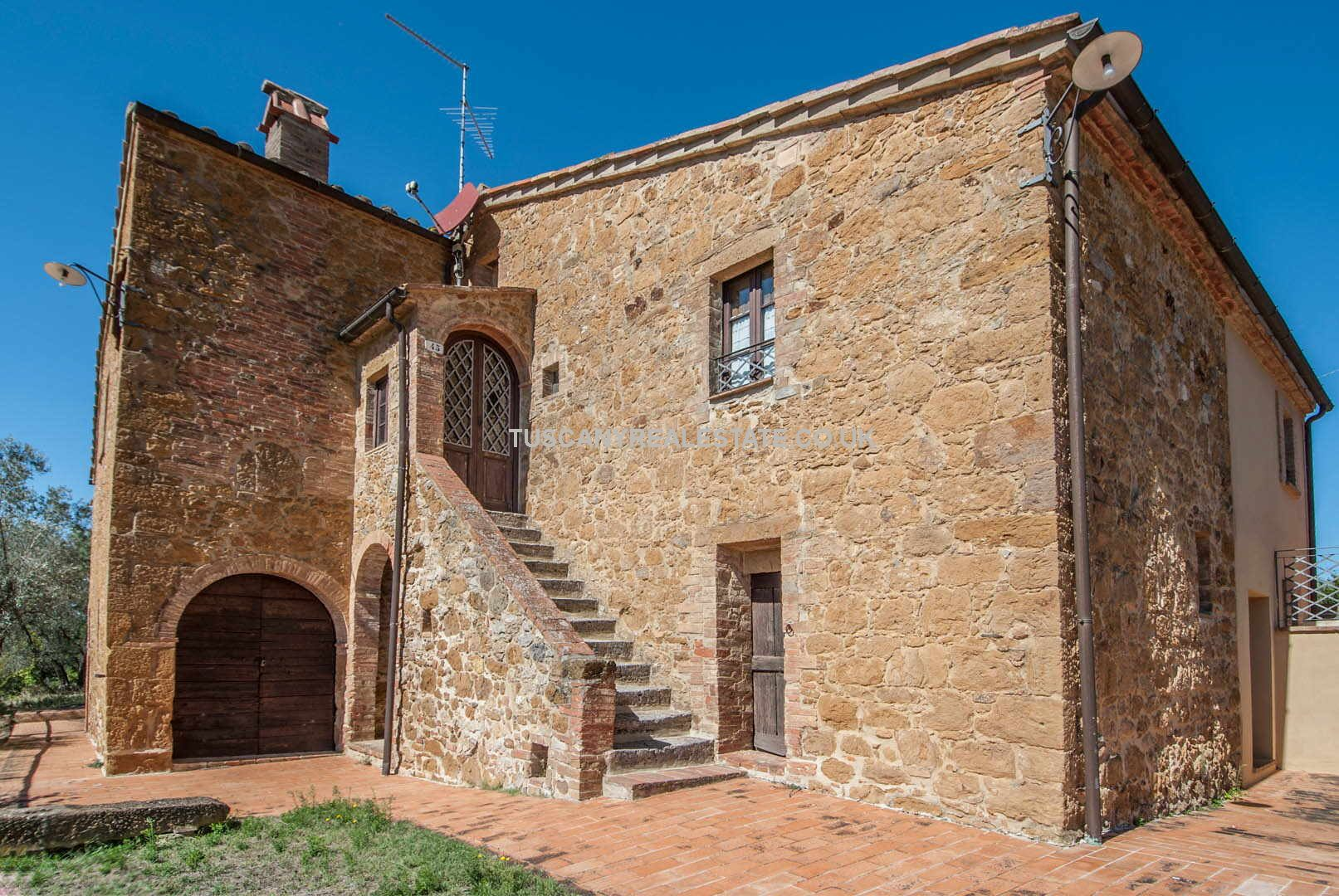 Restored Siena farmhouse property