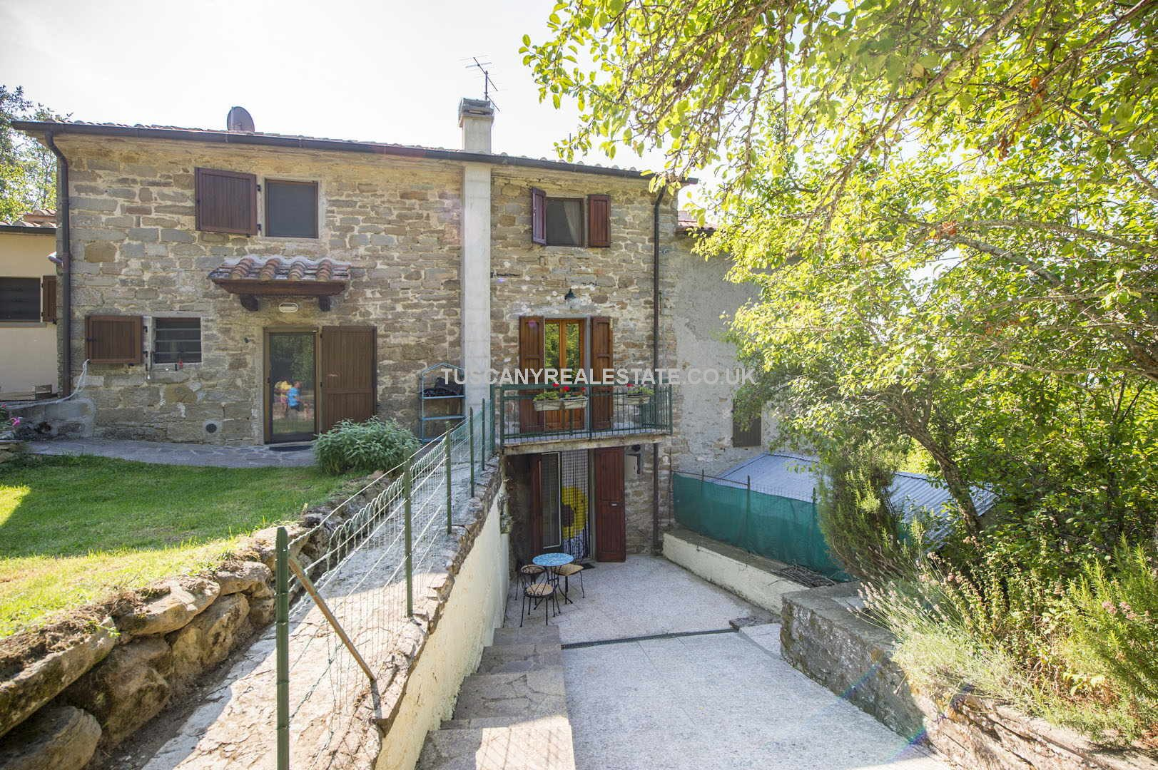 Cheap Sansepolcro 2 bedroomed townhouse property