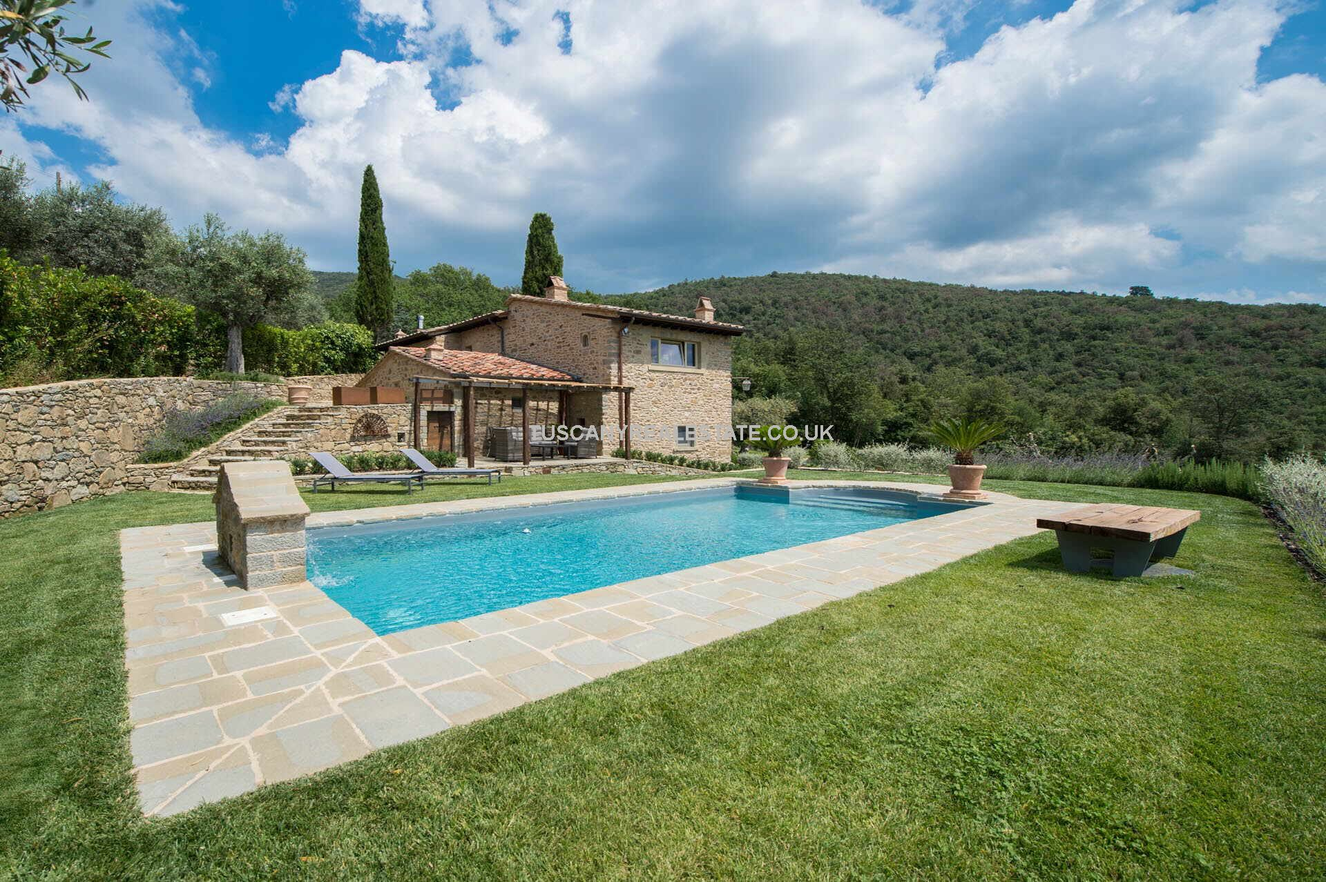 Cortona Tuscany Luxury Farmhouse Property