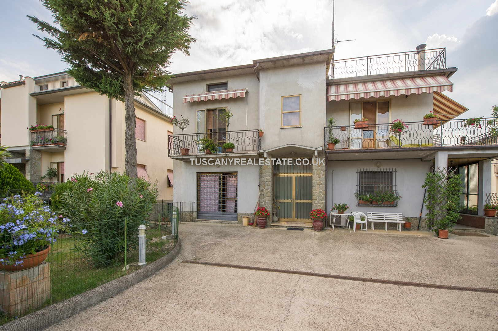4 Bed residential apartment property - Anghiari Tuscany