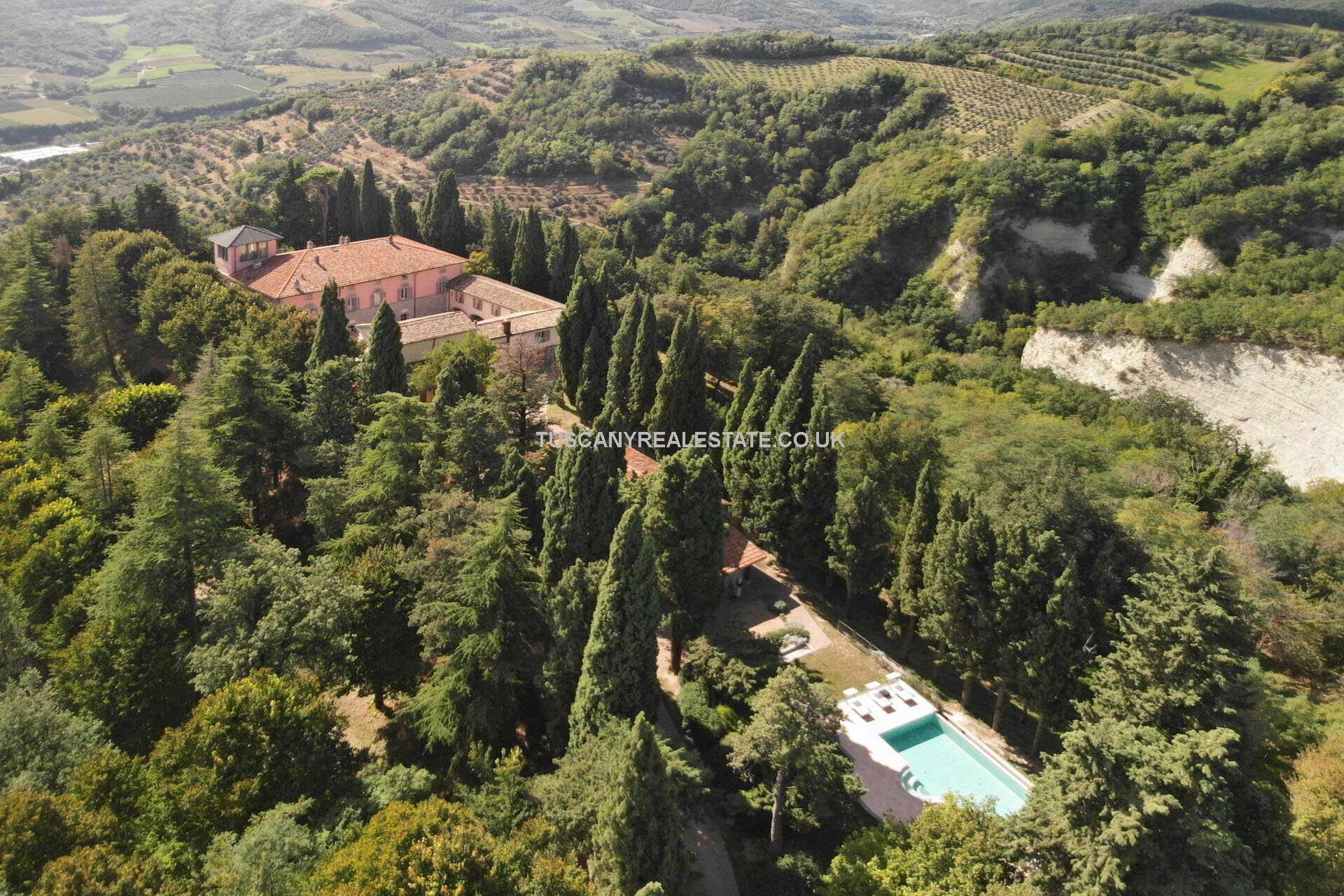 farm for sale in italy with land