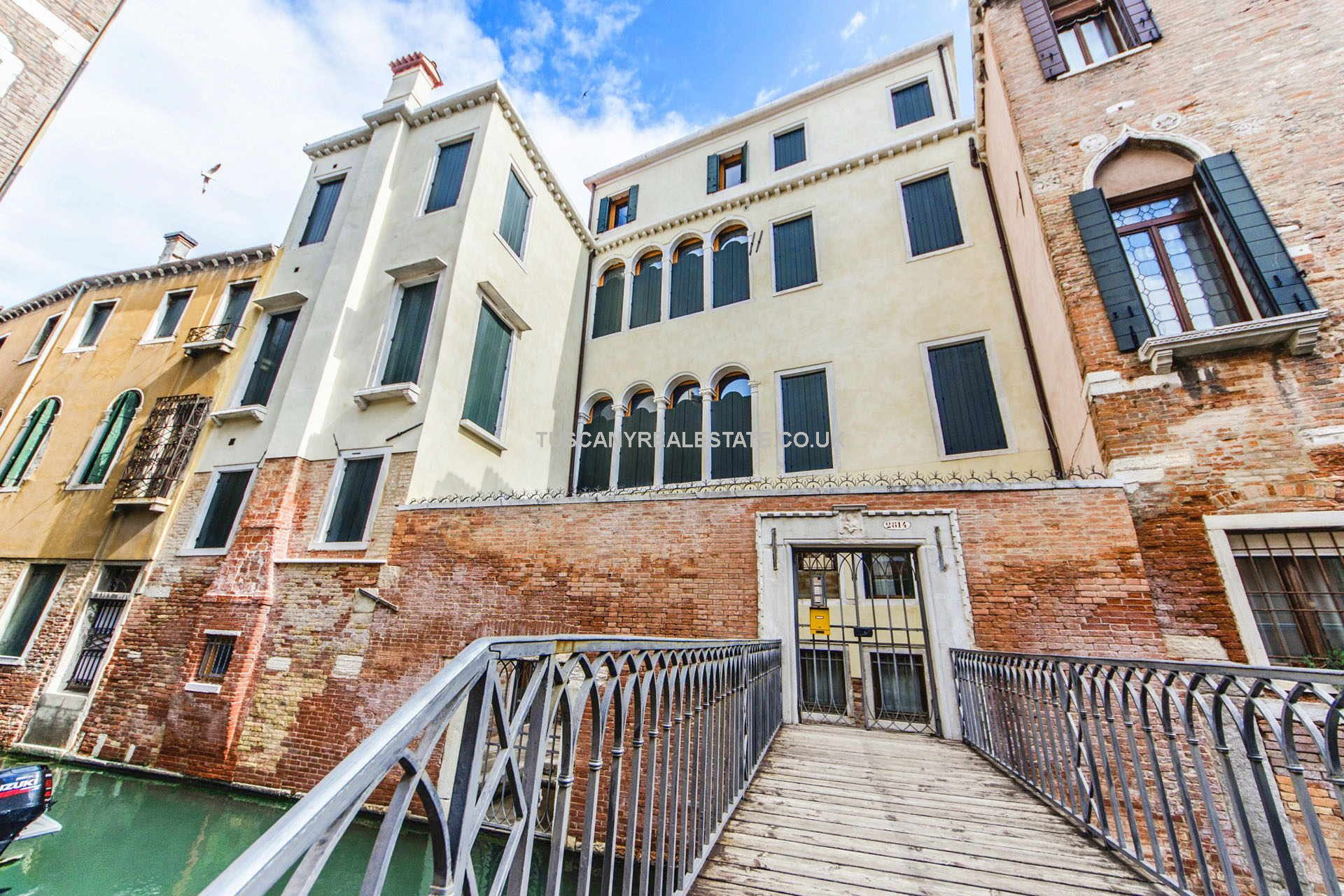 2 Bedroomed Historical Apartment San Polo district of Venice