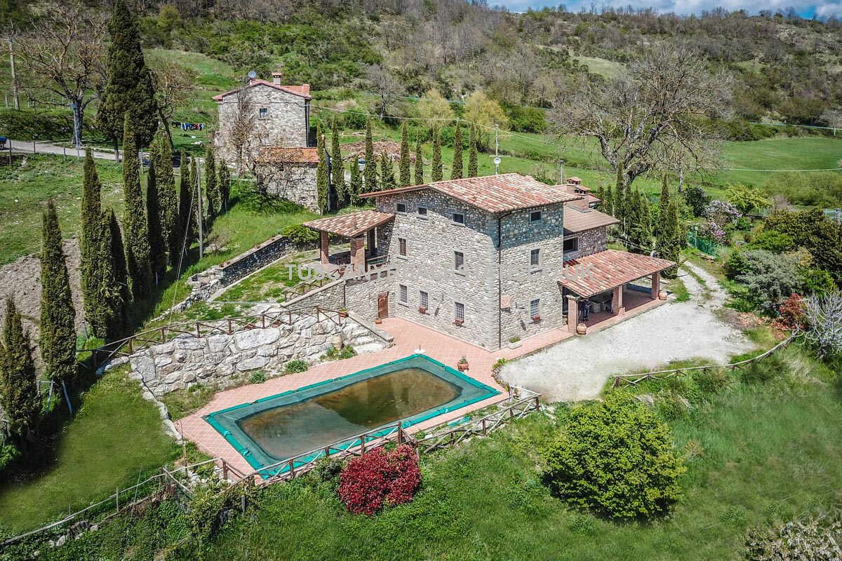 Restored Tuscan Country House With Pool