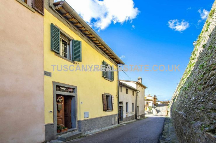 Tuscany Renovation Property For Sale